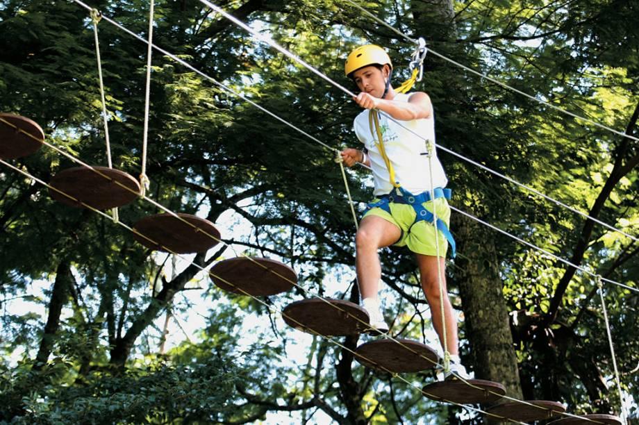 Quem se hospeda no Vila Galé Eco Resort de Angra pode fazer arvorismo