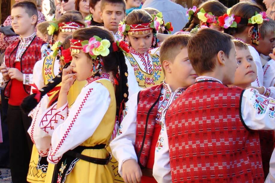 """Crianças durante a festa de São Venceslau, patrono da cerveja, em Césky Krunlov, <a href=""""http://viajeaqui.abril.com.br/paises/republica-tcheca"""" rel=""""República Tcheca"""" target=""""_blank"""">República Tcheca</a>"""