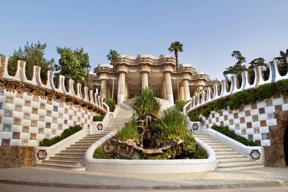 Os jardins e pavilhões do Parc Güell, obra de Gaudí, tornaram-se uma ampla área de lazer para a cidade
