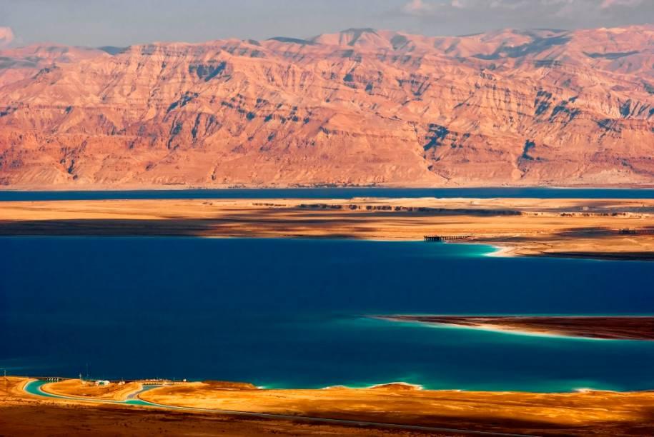 O Mar Morto, entre Israel e Jordânia, é a mais profunda depressão terrestre do planeta. Planos de manejo mal elaborados no rio Jordão vêm contribuindo para a diminuição de sua área