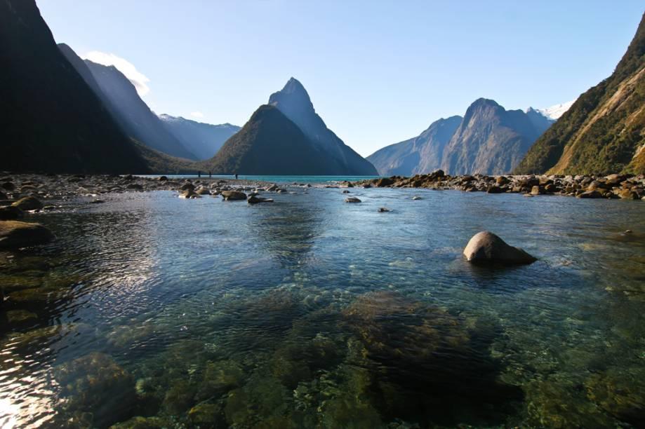 Milford Sound, a 286 quilômetros de Queenstown, serviu de cenário para o filme <em>O Senhor dos Anéis</em>