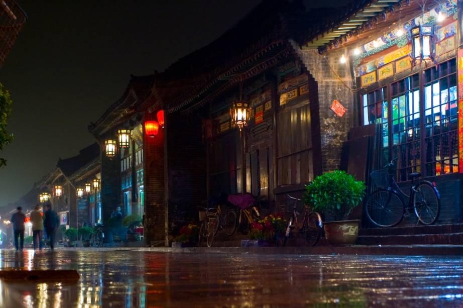 Pingyao, na província de Shanxi, é uma das mais bem preservadas cidades muradas da China. Poderoso centro financeiro e comercial durante a dinastia Qing, aqui estavam localizadas instalações para bancos, agiotas e casas de câmbio.