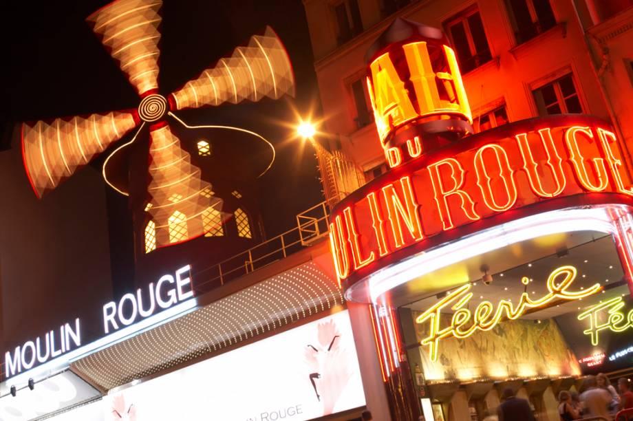 Moulin Rouge, onde noites feéricas deram lugar a shows para turistas