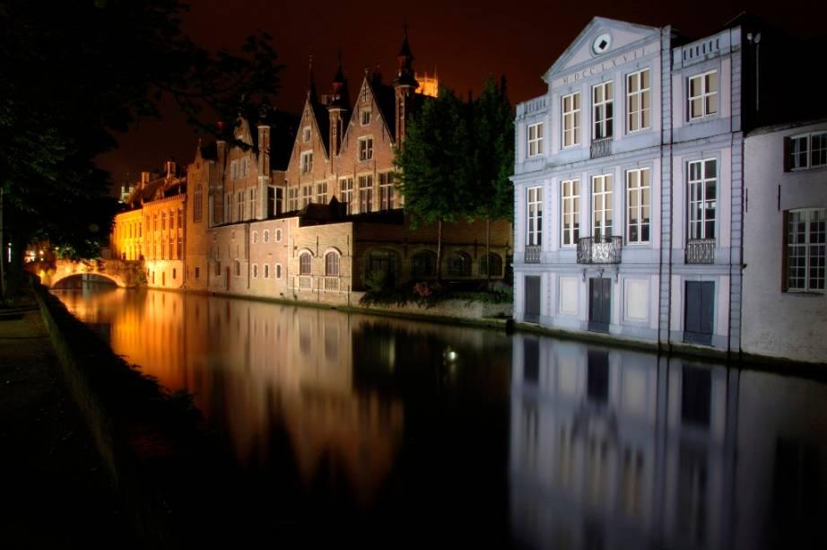 Tal como seus vizinhos holandeses, os belgas de Bruges planejaram sua cidade sobre inúmeros canais