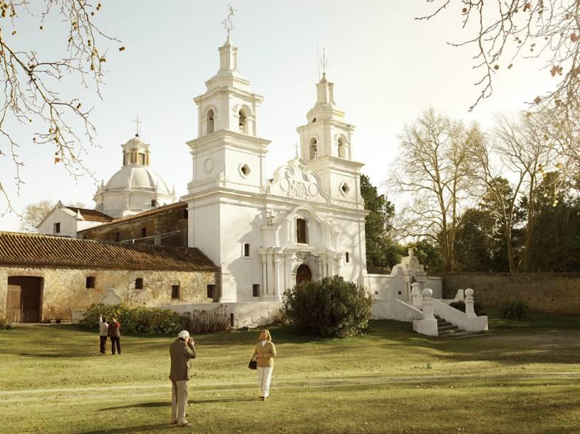 A igreja de Santa Catalina, de 1723, com imponente fachada barroca, é um dos principais exemplares arquitetônicos da presença dos jesuítas na região