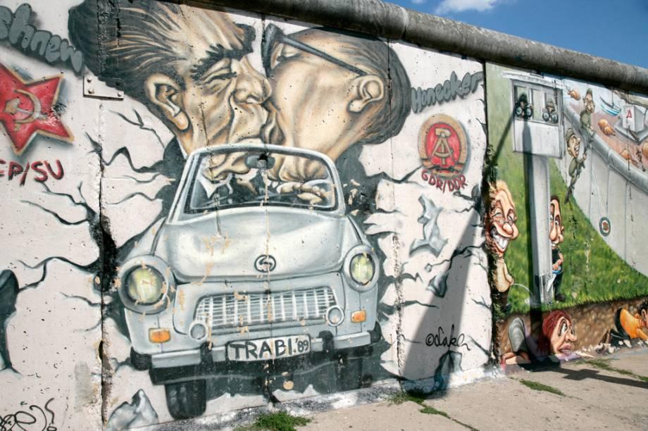 Toda a extensão do muro de Berlim, que separou a capital do resto do país por 28 anos, pode ser conhecida em um passeio turístico a pé ou de bicicleta