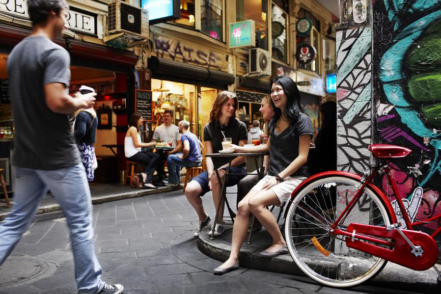 Melbourne é uma cidade muito jovem e simpática, com muitos bares e lojas de rua