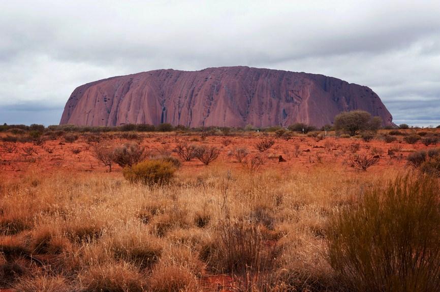 """<strong><a href=""""https://parksaustralia.gov.au/uluru/"""" target=""""_blank"""" rel=""""noopener"""">Parque Nacional Uluru-Kata Tjuta</a>, Austrália</strong> Tomado como Patrimônio Mundial da Unesco, o parque tem um dos maiores ecossistemas terrenos do mundo. O nome da reserva foi batizado pelos aborígenes e quer dizer """"muitas cabeças"""", graças às 36 abóbadas de arenito que compõem a região <em><a href=""""https://www.booking.com/searchresults.pt-br.html?aid=332455&sid=b6bf542626b1a2c7a9951e44506f270a&sb=1&src=searchresults&src_elem=sb&error_url=https%3A%2F%2Fwww.booking.com%2Fsearchresults.pt-br.html%3Faid%3D332455%3Bsid%3Db6bf542626b1a2c7a9951e44506f270a%3Btmpl%3Dsearchresults%3Bac_click_type%3Db%3Bac_position%3D0%3Bclass_interval%3D1%3Bdest_id%3D2992%3Bdest_type%3Dregion%3Bdtdisc%3D0%3Bfrom_sf%3D1%3Bgroup_adults%3D2%3Bgroup_children%3D0%3Binac%3D0%3Bindex_postcard%3D0%3Blabel_click%3Dundef%3Bno_rooms%3D1%3Boffset%3D0%3Bpostcard%3D0%3Braw_dest_type%3Dregion%3Broom1%3DA%252CA%3Bsb_price_type%3Dtotal%3Bsearch_selected%3D1%3Bshw_aparth%3D1%3Bslp_r_match%3D0%3Bsrc%3Dsearchresults%3Bsrc_elem%3Dsb%3Bsrpvid%3D99098235198d0098%3Bss%3DAlaska%252C%2520USA%3Bss_all%3D0%3Bss_raw%3Dalaska%3Bssb%3Dempty%3Bsshis%3D0%3Bssne%3DWrangell-St.%2520Elias%2520National%2520Park%2520%2520%2520Preserve%252C%2520Alaska%252C%2520USA%3Bssne_untouched%3DWrangell-St.%2520Elias%2520National%2520Park%2520%2520%2520Preserve%252C%2520Alaska%252C%2520USA%3Btop_ufis%3D1%26%3B&ss=Uluru%2C+Uluru-Kata+Tjuta+National+Park%2C+Petermann+NT%2C+Australia&is_ski_area=&ssne=Alasca&ssne_untouched=Alasca&checkin_monthday=&checkin_month=&checkin_year=&checkout_monthday=&checkout_month=&checkout_year=&group_adults=2&group_children=0&no_rooms=1&from_sf=1&ss_raw=Uluru-Kata+Tjuta+national+park&ac_position=1&ac_click_type=g&dest_id=ChIJI1JibStsIysRIV_Fm03NqEM&dest_type=landmark&place_id=ChIJI1JibStsIysRIV_Fm03NqEM&place_id_lat=-25.3444277&place_id_lon=131.0368822&place_types=natural_feature%2Cestablishment&search_pageview_id=99098235198"""