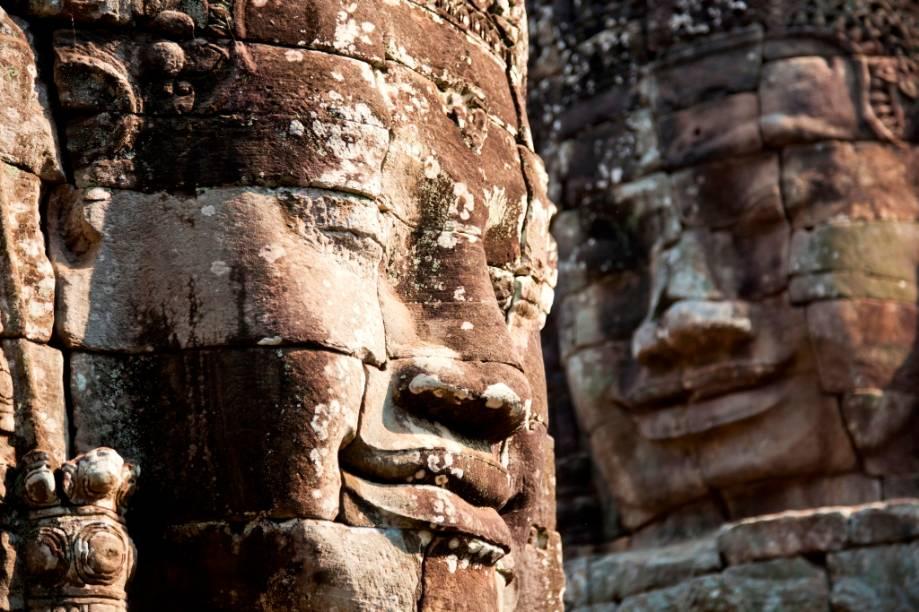 Devido às suas origens hindus, Angkor Wat possui um estilo artístico único, completamente diferente do estilo em voga do budismo teravada. Esse foi o ápice da arquitetura do império khmer