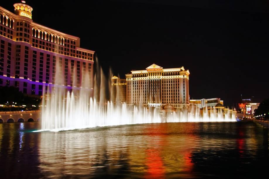O Bellagio é um dos hotéis mais tradicionais e luxuosos de Las Vegas. Sua localização privilegiada é um dos grandes atrativos dos turistas, que ficam embasbacados com a dança da Fonte Luminosa