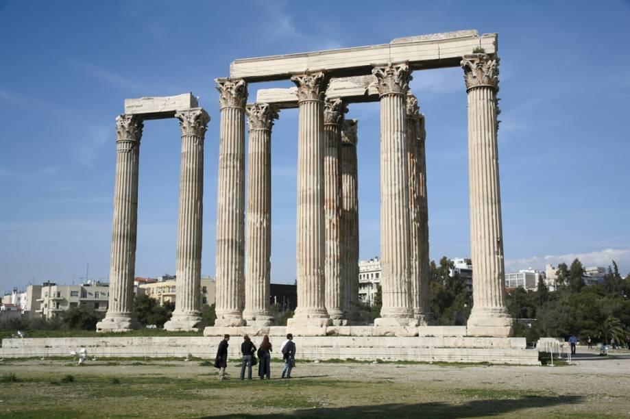 A construção do templo de Zeus começou no século VI a.C, mas só foi finalizada sete séculos depois pelo imperador romano Adriano