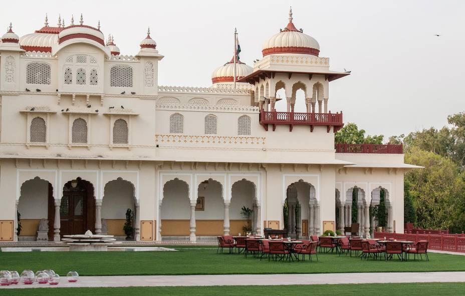 A fachada do Rambagh Palace - coisa de marajá