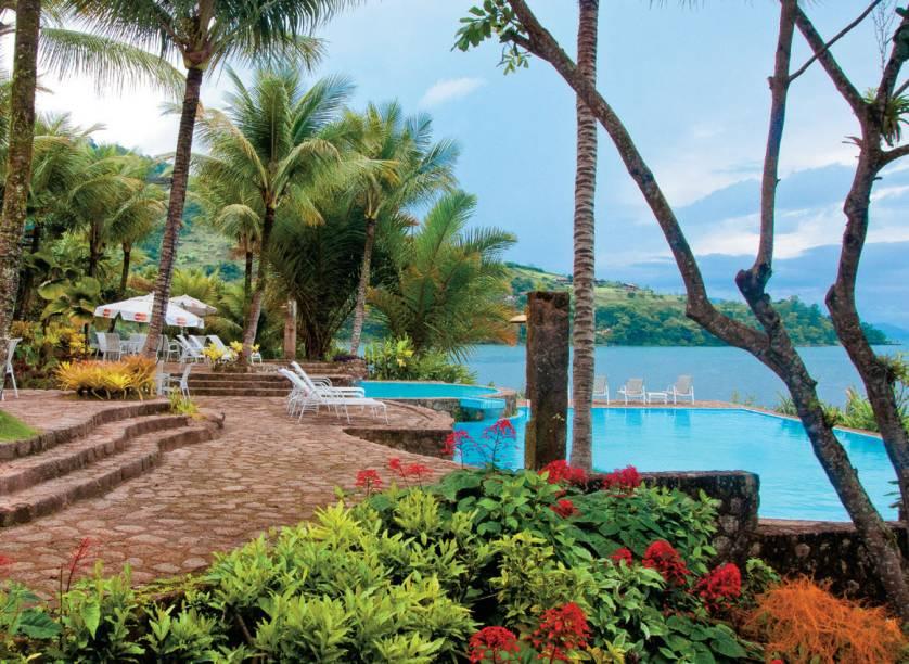 O clima serrano se mistura à brisa do mar no Santa Clara Hotel