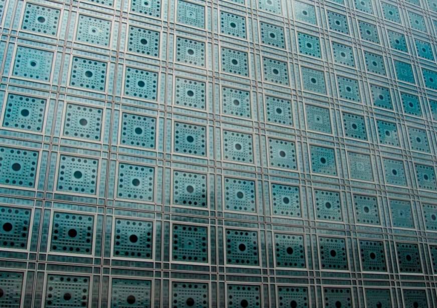As inovadoras janelas do Instituto do Mundo Árabe, de Jean Nouvel, inspiram-se diretamente na tradicional arquitetura do Islã