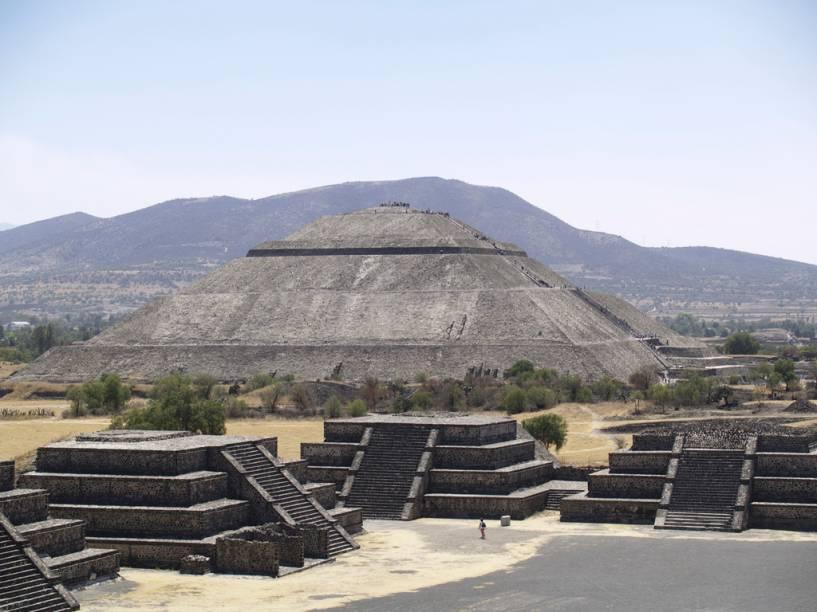 As ruínas de Teotihuacán, uma cidade fundada no século II a.C, abriga a gigantesca Pirâmide do Sol