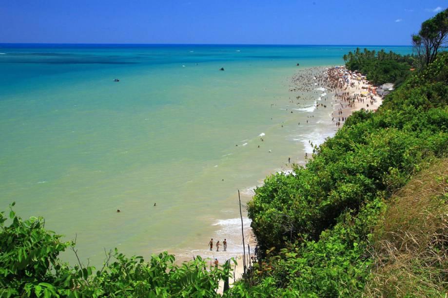 A Praia do Seixas é uma das preferidas dos moradores, com mar calmo e barracas
