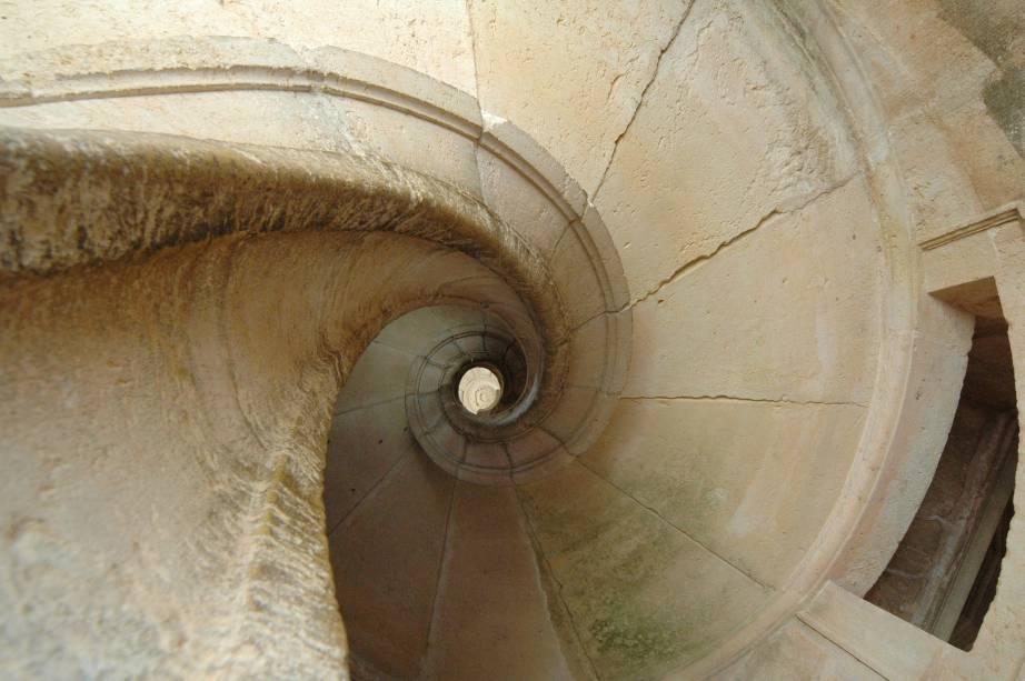 Entre as atrações do Convento, estão as escadas em espiral do Claustro Principal