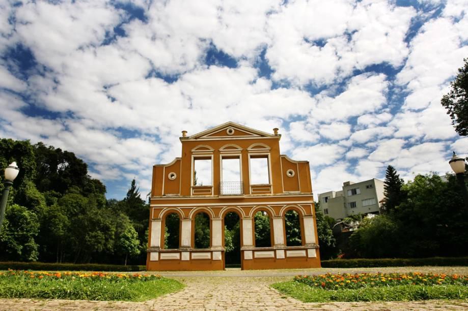 O Bosque Alemão tem sala para concertos, mirante, trilha e biblioteca infantil