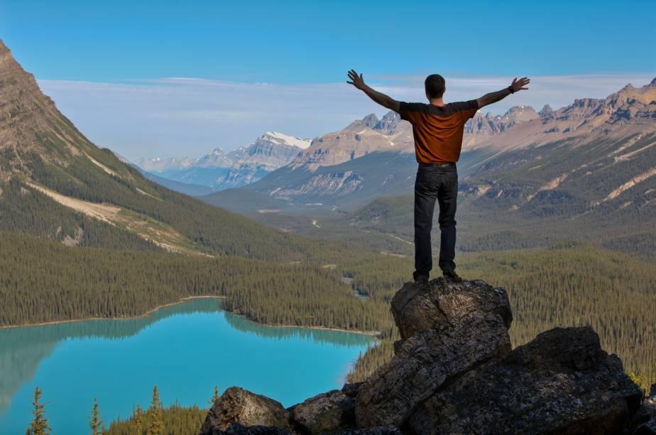<strong>Lago Peyto</strong>        Essa vista incrível para o Lago Peyto, que é formado por água do degelo de glaciares, é a recompensa depois de uma trilha relativamente fácil, de 2,9km só de ida e elevação de 245m