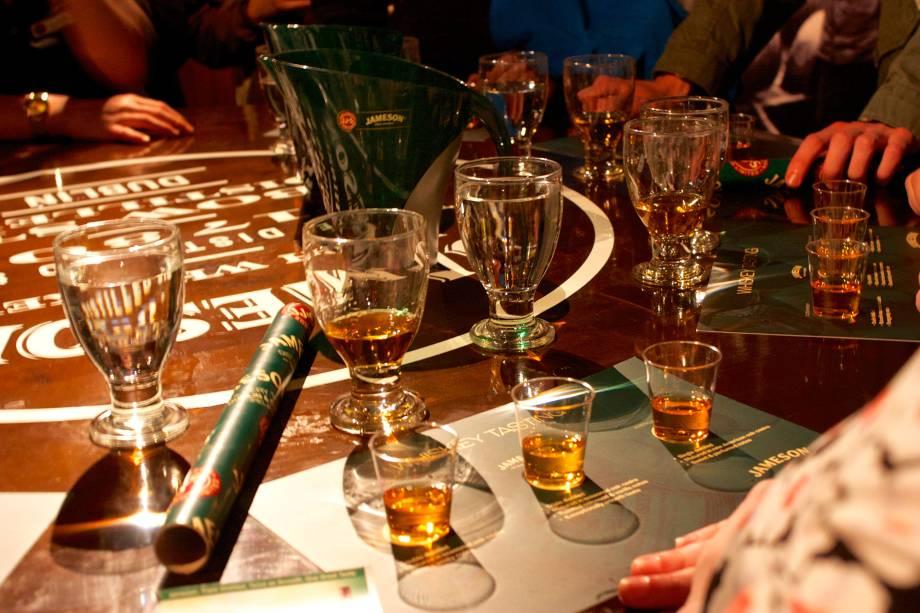 Para entender como se faz o whisky irlandês a dica é a  Old Jameson Distillery