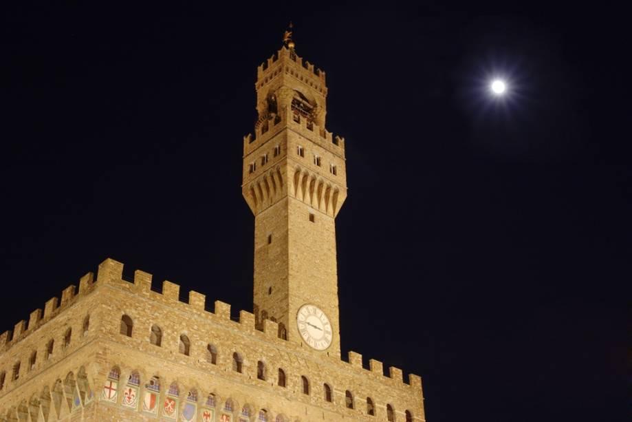 O <strong>Palazzo Vecchio</strong> domina a <strong>Piazza della Signoria</strong>