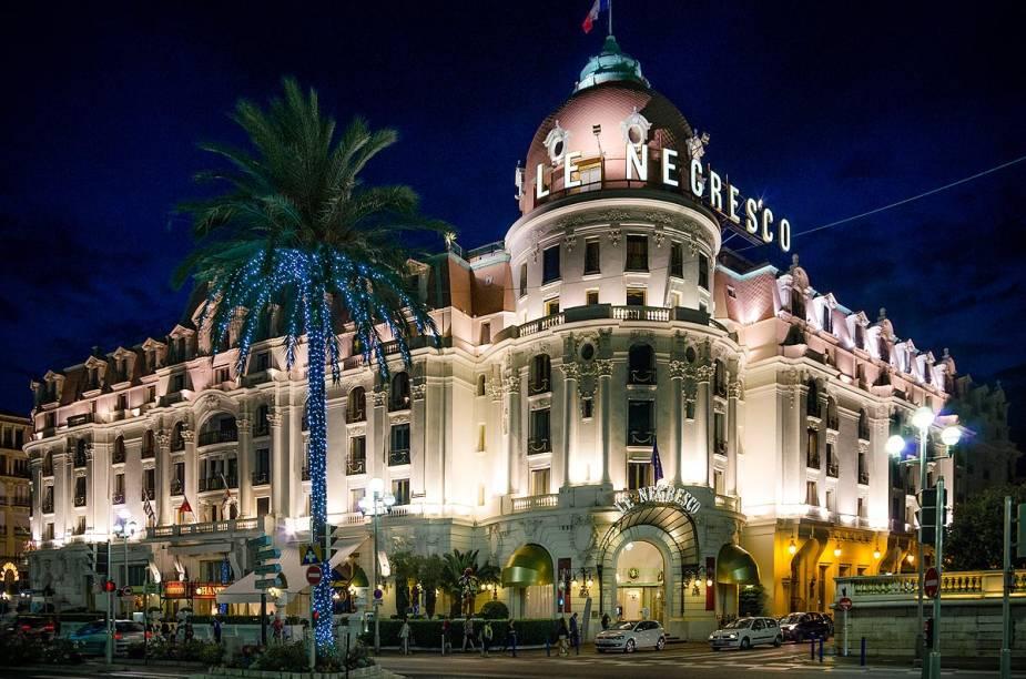 Hotéis como o Negresco fazem a fama do Promenade des Anglais, em Nice, sul da França