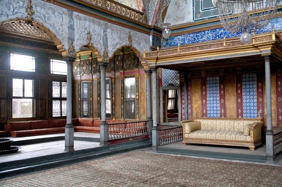 Sala do sultão, no harém de Topkapi