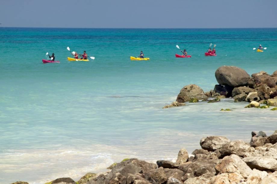 Atividades náuticas como a canoagem são ótimas alternativas em Aruba