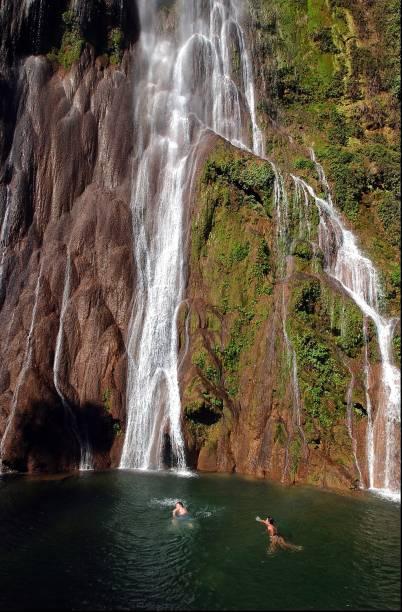 A cachoeira Boca da Onça é a principal de um passeio de 3 km que passa por outras 10 cachoreiras, na Serra da Bodoquena