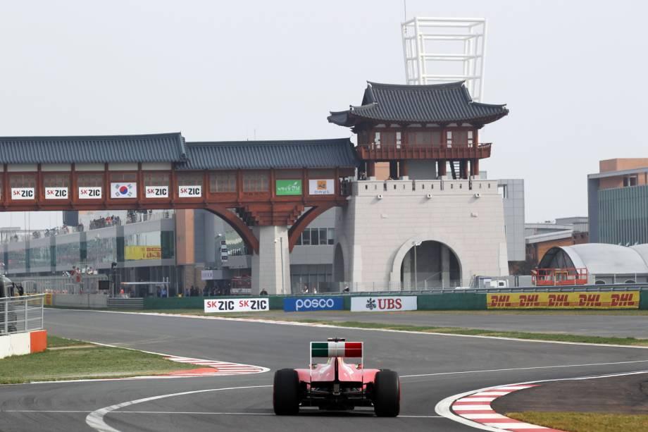 """Disputado desde 2010, o Grande Prêmio da Coreia, no Koreian International Circuit, em Yeongam, Coreia do Sul, é um dos mais modernos do """"circo"""". Apenas o espanhol Fernando Alonso, em 2010, e o alemão Sebastian Vettel, em 2011, venceram a prova"""