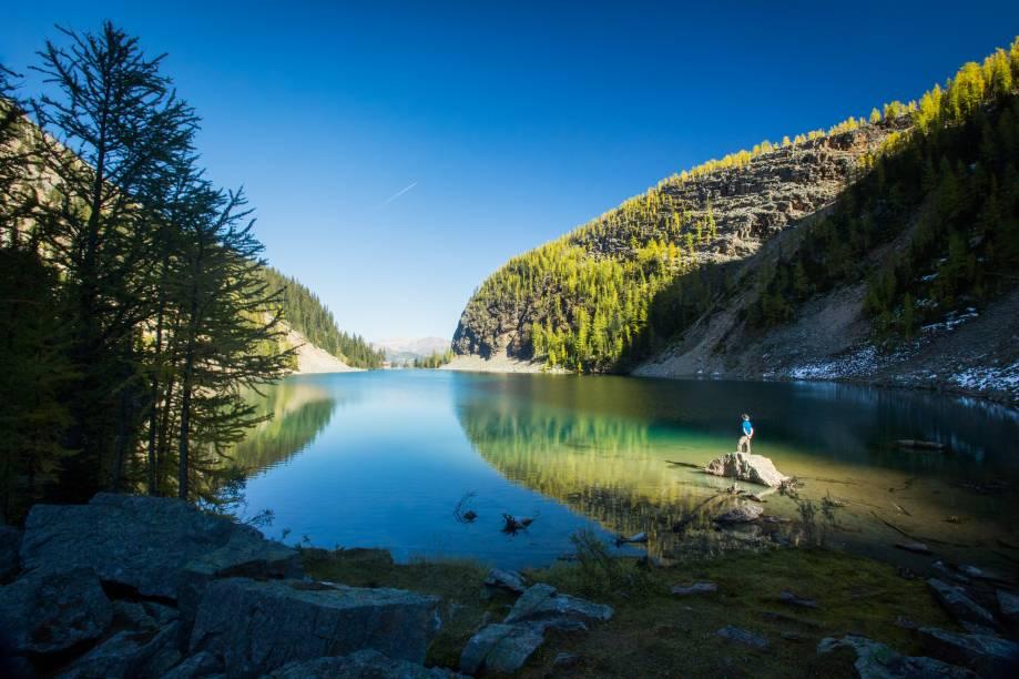 <strong>Lago Agnes</strong>        A trilha que vai até o Lago Agnes é uma das mais percorridas da área próxima ao Lago Louise, pois tem dificuldade moderada e a recompensa é essa belezura aqui. A trilha tem 385m de elevação e pode ser percorrida em cerca de 3h (ida e volta)