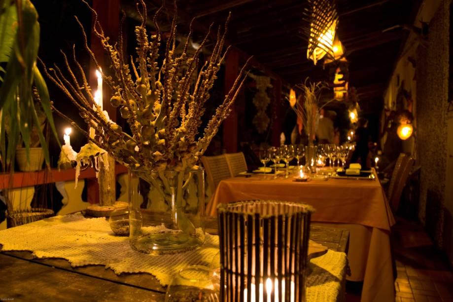 O restaurante estrelado Camamo funciona na casa do chef Tadeu Lubambo e atende apenas casais, só com reserva