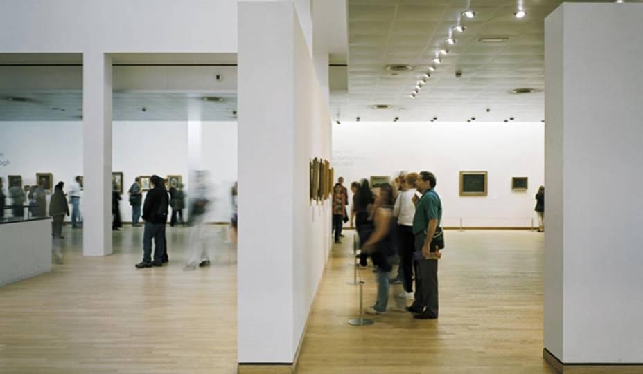 """O <a href=""""http://viajeaqui.abril.com.br/estabelecimentos/holanda-amsterda-atracao-museu-van-gogh"""" rel=""""Museu Van Gogh"""" target=""""_blank"""">Museu Van Gogh</a>, em Amsterdã, abriga o maior conjunto de obras do pintor em todo o mundo"""