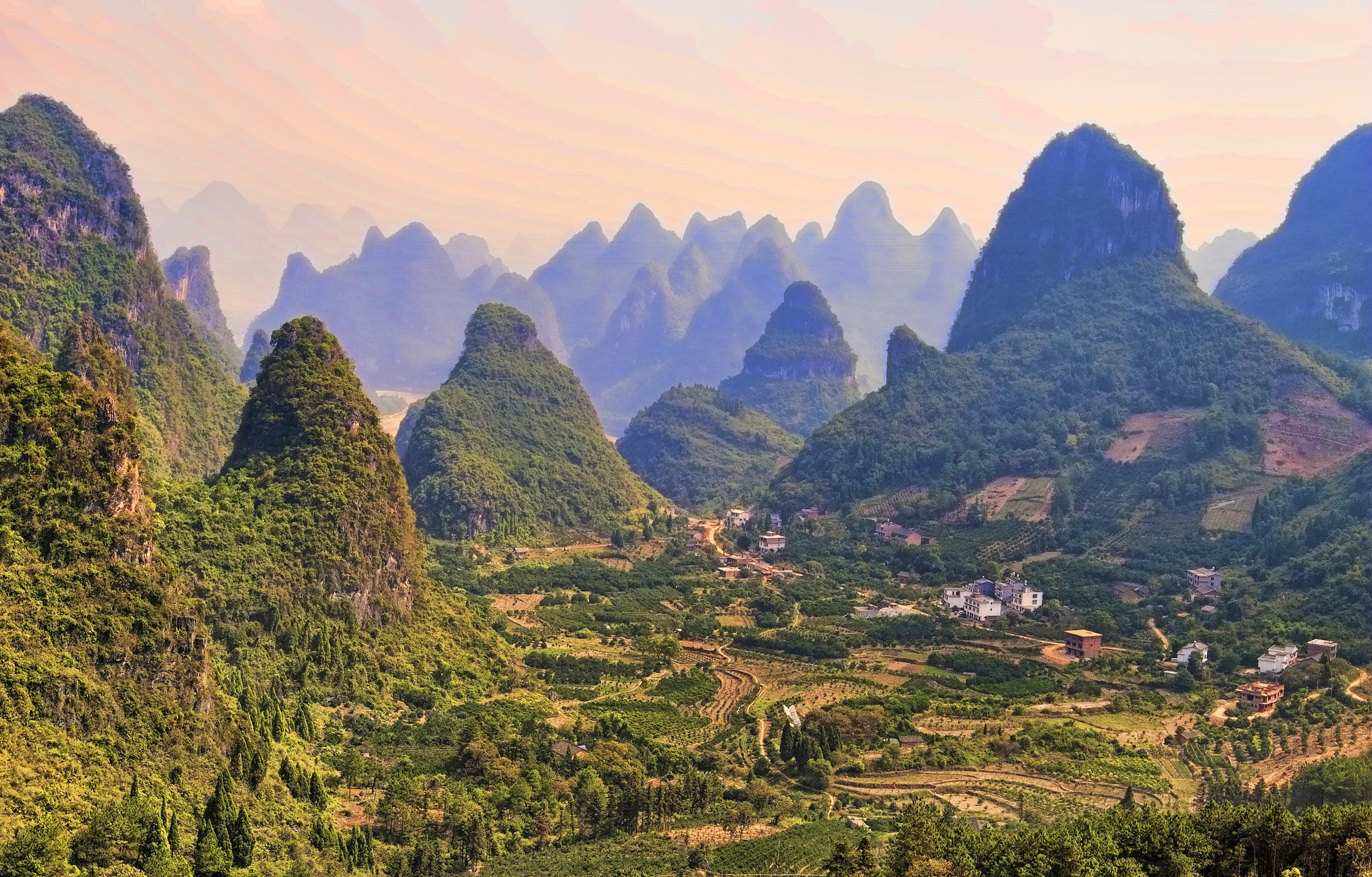 Montanhas cársticas de Yangshuo, pronvíncia de Guangxi, China