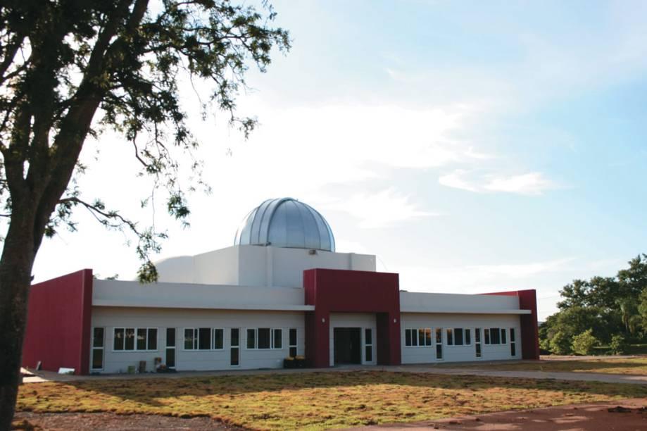 Polo Astronômico de Itaipu. O planetário, o observatório astronômico e o relógio de sol são parte da visita
