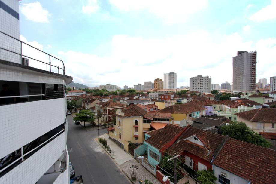 A Vila Belmiro é um bairro residencial, com poucos comércios e prédios