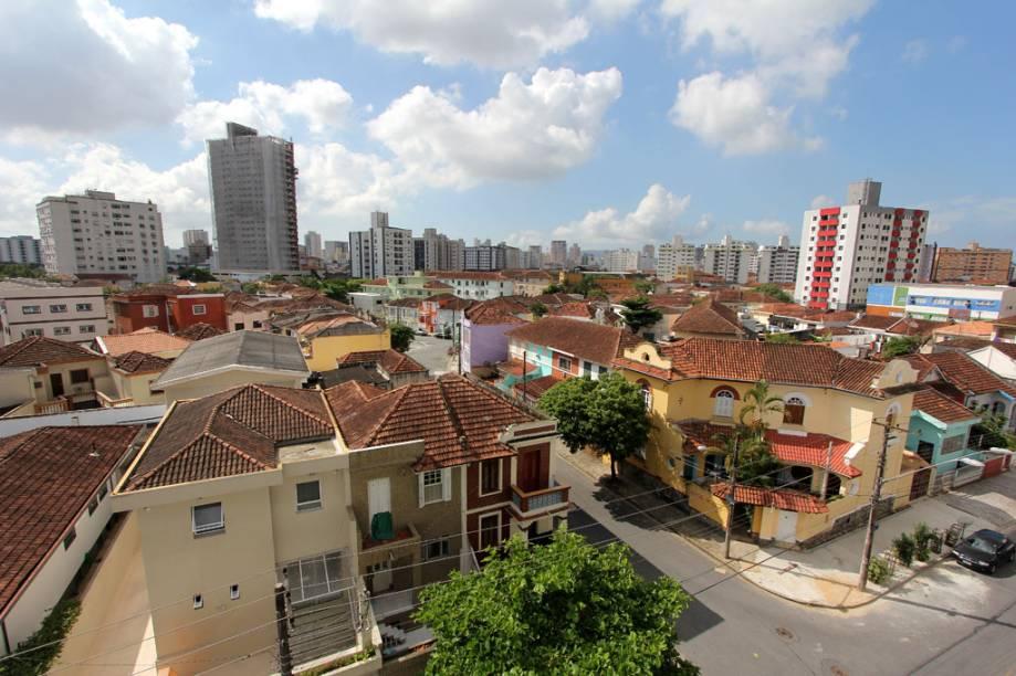 Cerca de 8,5 mil pessoas vivem na Vila Belmiro