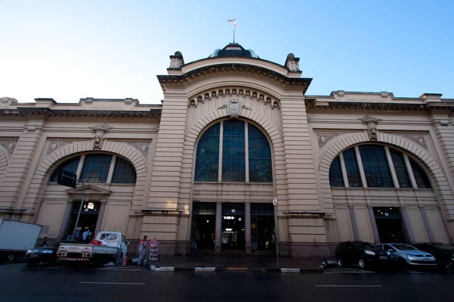 Inaugurado em 1933, o prédio que abriga o Mercado Municipal de São Paulo foi erguido para substituir um antigo centro qeu funcionava na rua 25 de Março. Hoje o espaço se tornou parada obrigatória para os turistas que chegam à cidade