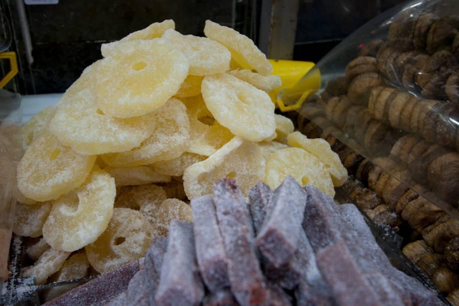 <strong>Frutas cristalizadas: </strong>bem doces e saborosas, a Galeria do Bacalhau oferece abacaxi, bananas, figos e laranjas cristalizadas, que dispensam comentários