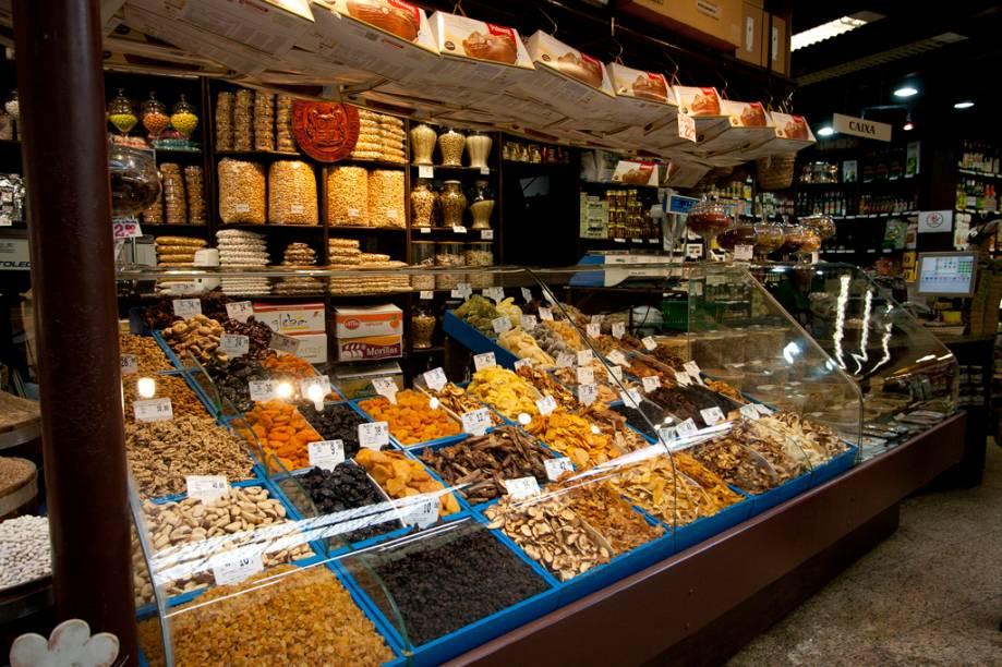 As deliciosas frutas cristalizadas, doces caramelados e biscoitos caseiros do Empório Chiapetta