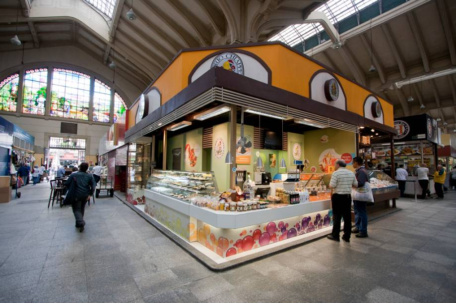 Uma parada para um cafezinho ou para tomar um sorvete pode ser a última parte do roteiro. Os doces servidos pelo Empório Chiappeta, com misturas com frutas tropicais, estão entre os melhores do lugar