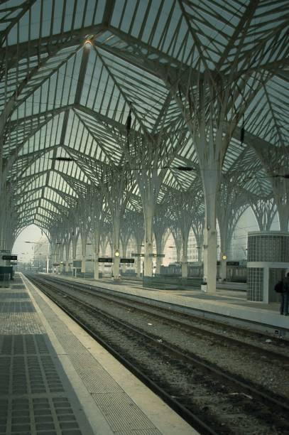 Os arcos estilizados da Estação do Oriente são assinados pelo arquiteto catalão Santiago Calatrava
