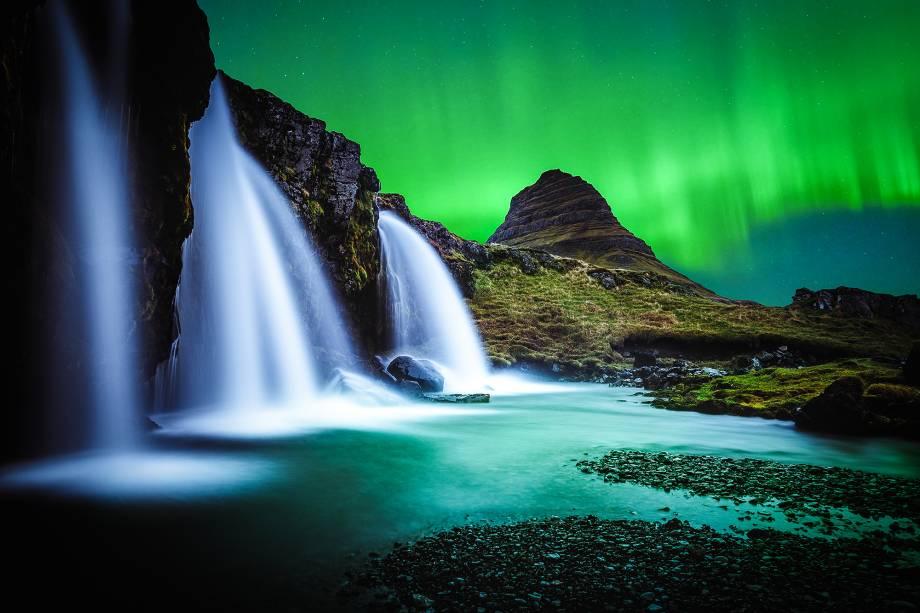 """<strong>1. <a href=""""http://viajeaqui.abril.com.br/paises/islandia"""" rel=""""Islândia"""" target=""""_blank"""">Islândia</a></strong>        Combine uma ilha isolada com um baixo número de habitantes e uma taxa muito pequena de assassinatos: assim é a Islândia, um país que pode facilmente ficar em primeiro lugar nesta lista devido a estes dois fatores favoráveis"""