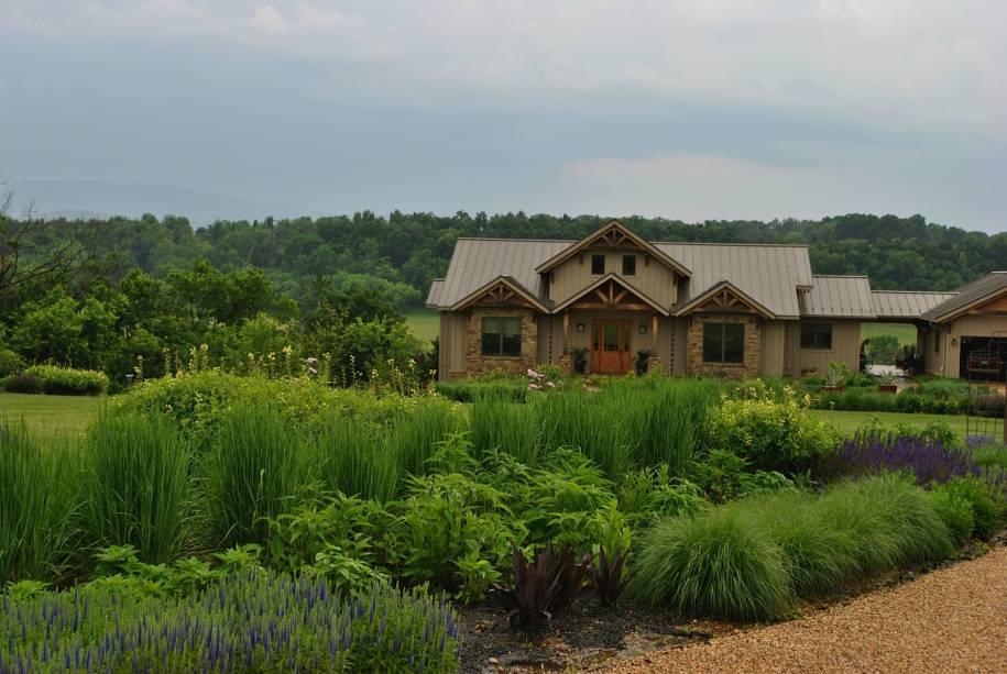 Os visitantes podem apreciar os belos jardins e construções do estado