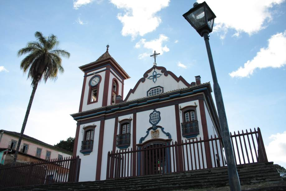 Em visita à Igreja São Francisco de Assis repare nas pinturas e no estilo rococó, e não deixe de subir à torre dos três sinos para tirar uma das melhores fotos do centro histórico