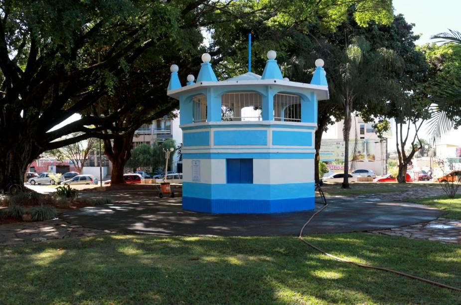 Formosa, localizada ao norte de Goiás, é uma cidade repleta de cachoeiras, sítios arqueológicos e cavernas, ideal para quem gosta de turismo de aventura