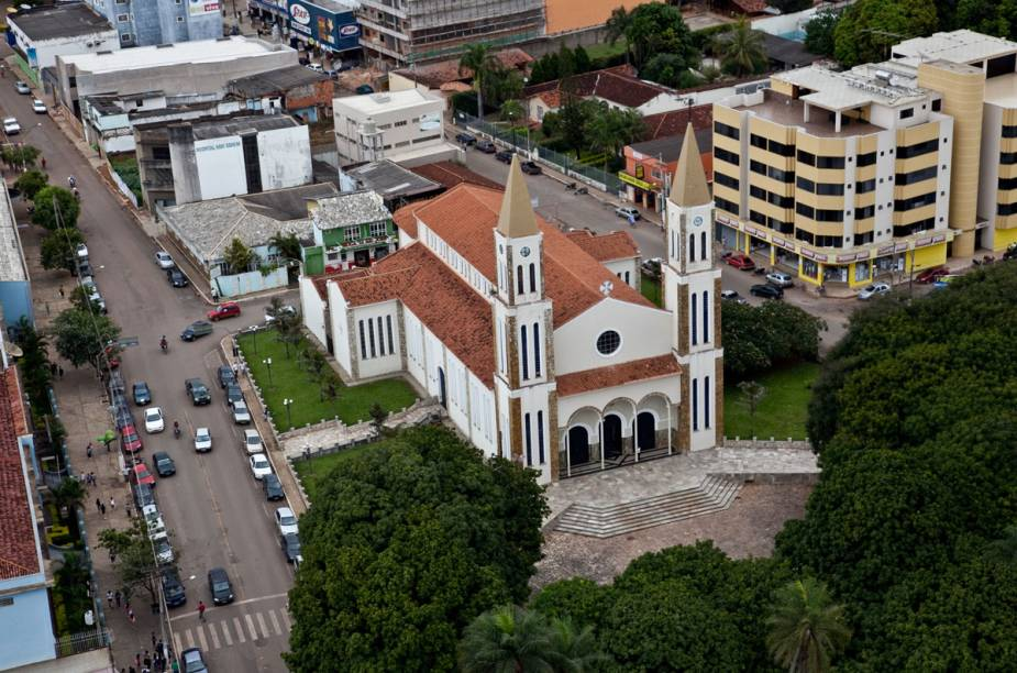 Vista aérea da Catedral de Formosa, Goiás