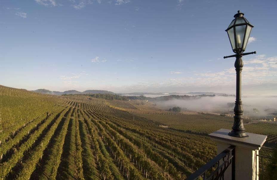 O Spa do Vinho, no Vale dos Vinhedos, tem vista para as vinícolas da região
