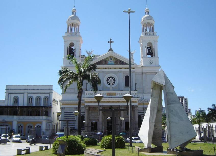 """A <a href=""""http://viajeaqui.abril.com.br/estabelecimentos/br-pa-belem-atracao-basilica-de-nazare/"""" rel=""""Basílica de Nazaré"""" target=""""_blank"""">Basílica de Nazaré</a> foi a terceira Basílica do Brasil - foi construída depois da Sé, na Bahia e a de São Bento, em São Paulo"""