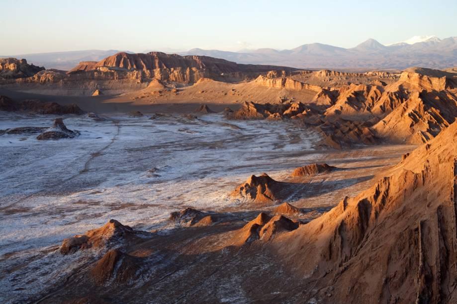 As formações do Valle de la Luna lembram a superfície lunar, com sua sequência de montanhas
